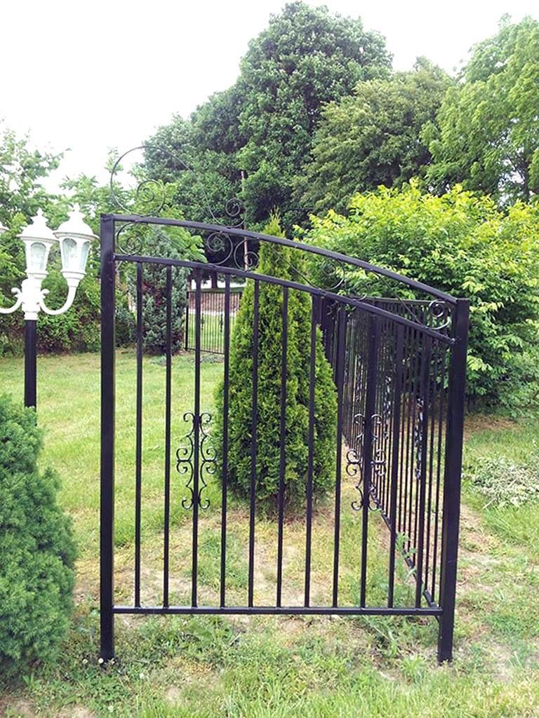 F23 Iron Fence