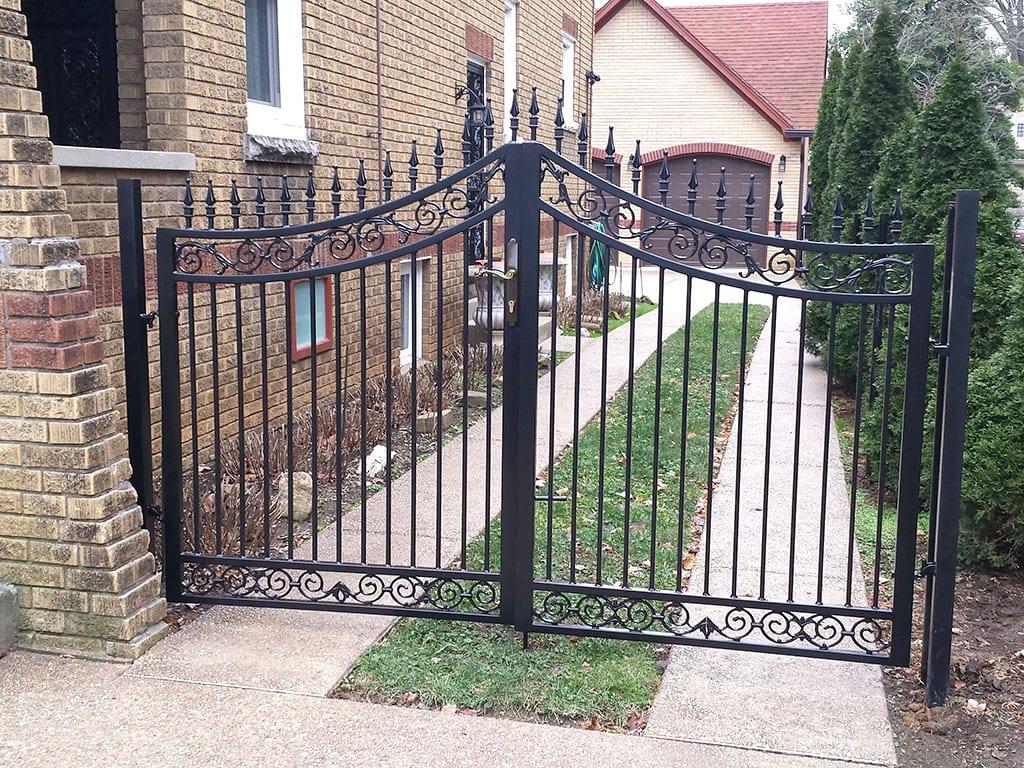 F3 Iron Fence