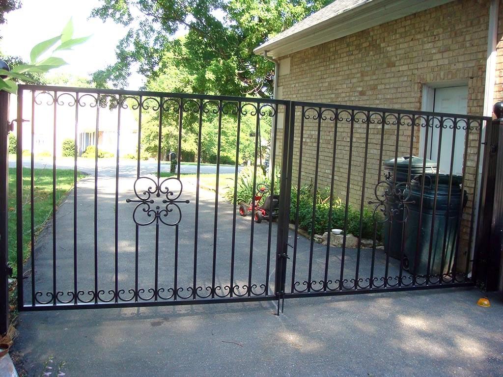 F31 Iron Fence