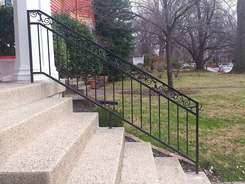R30 Iron Railing Scroll